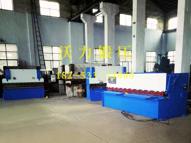 廠房一角的機床設備